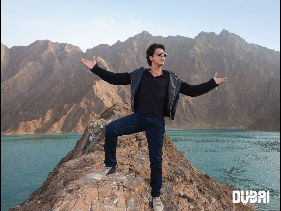 srk standing on top of hatta mountain